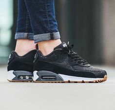 size 40 a323d 6661f Nike Reworks the WMNS Air Max 90 in a Premium