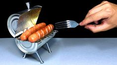 """Rincon Util (a. """"Mr Useful"""") demonstrates how to make a mini barbecue grill out of an aluminum can. via MIKESHOUTS, Mini Barbecue, Mini Grill, Barbecue Grill, Barbecue Recipes, Bbq Meat, Barbacoa, Aluminum Can Crafts, Aluminum Cans, Grill Diy"""