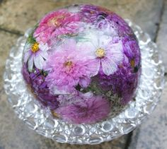 Bowls made from frozen flowers, so pretty for a wedding table
