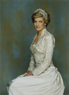 European Monarchies via the-british-royal-family:  The Princess of Wales, 1990