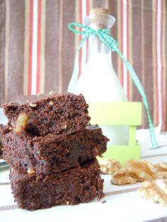 Brownie de chocolate con almendras y nueces 2