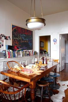 Eclectic Collector: Lighting from Our Tours - I looooooooove the first room so much
