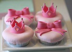 Sleeping Beauty cupcakes!