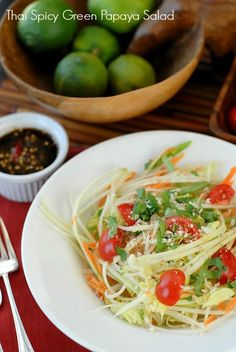 Thai Spicy Green Papaya Salad. Cool and spicy! Perfect for summer!| Boulder Locavore