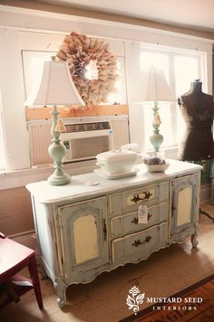 love this painted buffet.