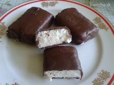 Túró rudi (fotorecept) Russian Recipes, Paper Bags, Dessert Recipes, Desserts, Homemade Cakes, Nom Nom, Pudding, Polish, Food