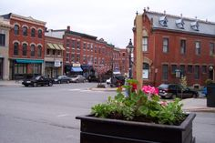 Belfast, Maine, is such a neat, little town. Nice mom and pop shops and restaurants and a thriving arts scene by the coast!