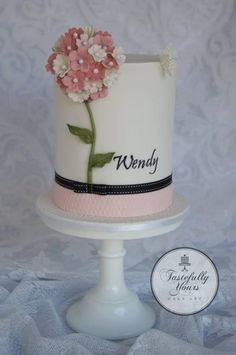 The Wendy cake by Marianne Bartuccelli : Tastefully Yours Cake Art (Facebook)