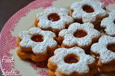 Μπισκοτάκια με μαρμελάδα - Food States Beignets, Sweets Recipes, Desserts, Doughnut, Birthday, Blog, Cakes, Art, Apple Doughnut