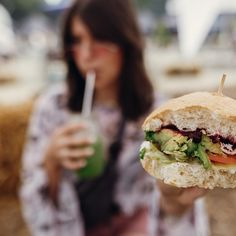 Hamburger, Sandwiches, Ethnic Recipes, Food, Hamburgers, Burgers, Paninis, Meals