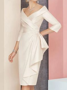 Fourreau / Colonne Robe de Mère de Mariée Elégant Bateau Neck Mi-long Satin Manches 3/4 avec Plissé Fleur 2020 de 2021 ? US $132.99 Mother Of The Bride Dresses Vintage, Mother Of The Bride Fashion, Mother Of Bride Outfits, Mother Of The Bride Gown, Mother Of Groom Dresses, Mob Dresses, Sexy Dresses, Fashion Dresses, Plus Size Vintage