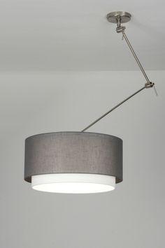 Hanglamp RVS en stof. Handig hij is draaibaar en verstelbaar. Met strakke witte stoffen kap in linnen.