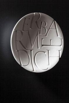 Artistiek werk - Letters & letters in steen - Letterbeeldhouwster Maud Bekaert