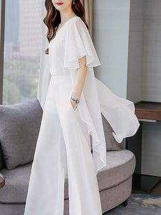 Casual Ruffled Shift Frill Sleeve Solid top with pants Suit Fashion, Teen Fashion Outfits, Fashion Dresses, Fashion Art, Retro Fashion, Vintage Fashion, Fashion Tips, Stylish Work Outfits, Classy Outfits