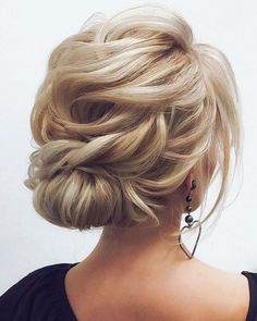 Finding just the right wedding hair for your wedding day is no small task but we're about to make things a little bit easier.From soft and romantic, to classic with modern twist these romantic wedding hairstyles with gorgeous details will inspire you,messy updo wedding hairstyle...