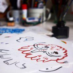 """il. do książki """"U fryzjera"""", Aleksandra Cieślak Playing Cards, Cake, Desserts, Instagram, Tailgate Desserts, Deserts, Playing Card Games, Kuchen, Postres"""