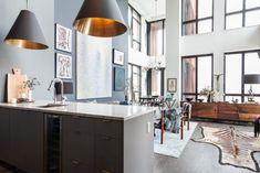 Dunbar sofa plüsch pelzdecken wand gemälde schick interior design