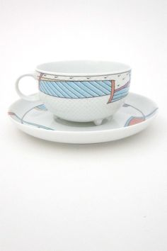 Dorothy Hafner / Tapio Wirkkala 'Century New Wave' cups & saucers