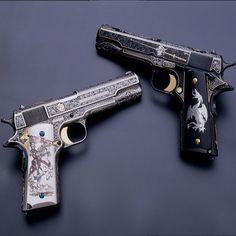 アメリカの彫刻家Mike Dubberさんは銃に細密な彫刻を施すアーティストです。