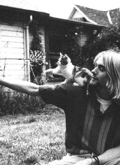 I just can't resist a picture of Kurt Cobain with a kitten. I just can't.