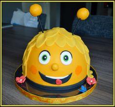 Chocolate Dome, Pinata Cake, Easter Cookies, Diy Cake, Mini Cakes, Cake Designs, Amazing Cakes, Cake Pops, Easter Eggs