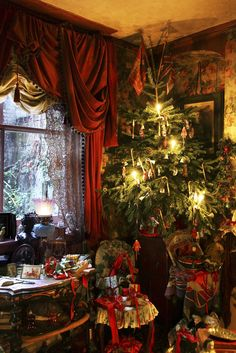 """Christmas at the Dennis Severs' House in Spitalfields, London. The house is a time capsule of and century London life and was once described by David Hockney as """"one of the world's greatest works of opera"""" Cosy Christmas, Christmas Room, Christmas Scenes, Pink Christmas, Beautiful Christmas, Vintage Christmas, Christmas Holidays, Xmas, Christmas Mantles"""