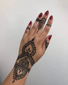 50 Most beautiful Berlin Mehndi Design (Berlin Henna Design) that you can apply on your Beautiful Hands and Body in daily life. Pretty Henna Designs, Modern Henna Designs, Mehndi Designs For Beginners, Mehndi Design Photos, Henna Designs Easy, Mehndi Designs For Hands, Henna Paint, Mehendhi Designs, Henna Tattoo Designs Simple