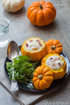 Jack be Little egg casserole Pumpkin Recipes, Fall Recipes, Holiday Recipes, Pumpkin Squash, Egg Casserole, Skinny Recipes, Savoury Dishes, Brunch Recipes, Recipes