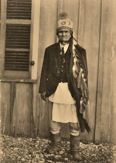 """GERONIMO , 1905.  He was given a Cadillac by the U.S. governent. (See Michael Murphy's song, """"Geronimo's Cadillac"""")"""