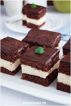 murzynek z kremem-7 Lany, Tiramisu, Ethnic Recipes, Cupcake, Food, Diet, Kuchen, Cupcakes, Essen