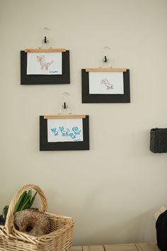 Kodin1, Vierasblogi modernekohome, Asuntomessutalon DIY-vinkit makuuhuoneeseen, taidetta housuhenkareista