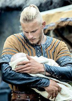Alexander Ludwig as Bjørn Ironside in Vikings Viking Men, Viking Life, Viking Ship, Viking Baby, Vikings Tv Series, Vikings Tv Show, Vikings Ragnar, Ragnar Lothbrok, Siggy Vikings