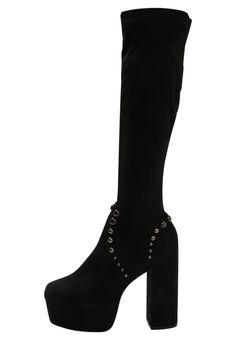3568330b3 ¡Consigue este tipo de botas con plataforma de Lost Ink ahora! Haz clic para