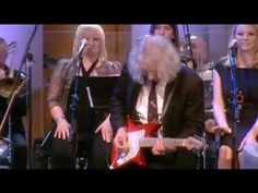 Guitar legend Albert Lee performing an incredible show-stopping version of 'Country Boy' with the equally incredible Elio Pace live on 'Weekend Wogan' BBC Radio 2 on Sunday, March 28th 2010. I heard this live on the radio as it was happening and having seen Albert (with Elio in the band) many times in the past, I would have given anything to have been there in person at the Radio Theatre to witness this. One of the most amazing live music events the BBC has ever seen. Thank you BBC for…