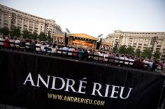 Bucharest 4 - James Last - The official André Rieu website