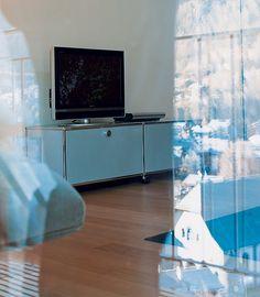 Hotel room in The Omnia (Zermatt, Switzerland) in the 2000s furnished with USM Modular Furniture Haller.
