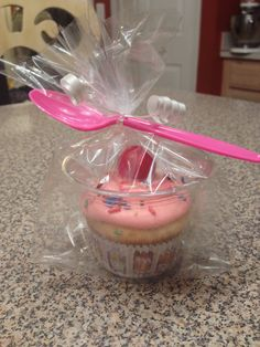 Cupcake in a cup! Cupcake in a cup! Cupcake in a cup! Cupcake in a cup! Cupcake in a cup! Cupcake in a cup! Cupcake in a cup! Cupcake in a cup! Valentine Day Cupcakes, Valentines Day Treats, Valentines For Kids, Birthday Treats For School, Bake Sale Treats, Bake Sale Recipes, Bake Sale Packaging, Cupcake Packaging, Mini Cakes