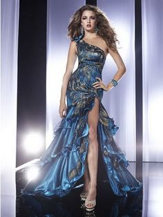 haute couture peacock dress | Abiti da sera per il 2013 vestiti eleganti chic e trendy per 2013 ...