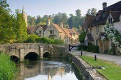Castle Combe Inglaterra 350 habitantes
