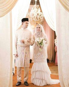 Bridal Hijab, Hijab Bride, Wedding Hijab, Wedding Poses, Wedding Attire, Wedding Bride, Bridal Dresses, Wedding Ideas, Kebaya Dress