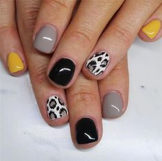 39 Nail Art Designs That Look Great On Short Nails – Do you need inspiration to design your nails for your short nails? Don't worry, we have you covered. Elegant and fun nail designs are not only for long nails, we guarantee it! Short Gel Nails, Long Nails, Nail Design For Short Nails, Get Nails, How To Do Nails, Uñas Art Deco, Nail Art Designs, Gel Nagel Design, Dipped Nails