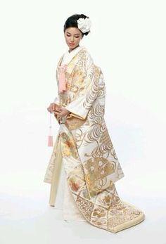 후리소데 Japanese Outfits, Japanese Fashion, Asian Fashion, Furisode Kimono, Kimono Dress, Yukata, Japanese Wedding Kimono, Japanese Kimono, Traditional Fashion