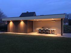 Tuinhuis Modern Pool House, Modern Pools, Garden Lodge, Wooden Gazebo, Backyard Studio, Garden Buildings, Modern Landscaping, Pergola Patio, Pool Houses