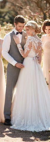 Winter Wedding Dress from Essense of Australia Fall 2016 – Wedding ideas 2016 Wedding Dresses, Bridal Dresses, Wedding Gowns, Lace Wedding, Wedding Day, Wedding Ceremony, 2017 Wedding, Wedding Hacks, Trendy Wedding