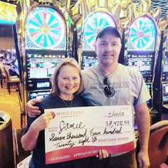 Send Jamie your Congrats on finding her #winningmoment! She just stopped for a burger and she won $7,428.54! #JackpotWinner #WindCreekAtmore