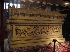 Tomb of Alexander the Great by henribergius, via Flickr