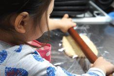 おいしくて簡単なクッキーの作り方!本当においしくて超簡単なクッキー!材料も2、3個だけで作れる世界一簡単なクッキーです。驚きの10分以内で作れるクッキーも!おいしくて本当に簡単な作り方なので思い立った時にすぐ作れます♪子供と一緒に作るのも楽しいですよ~!