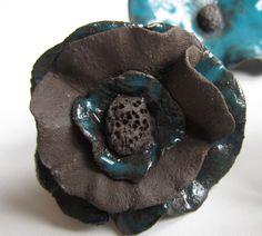 http://www.alittlemarket.com/accessoires-de-maison/fr_petit_fleur_ceramique_a_poser_sur_une_tige_pour_le_jardin_-7881429.html