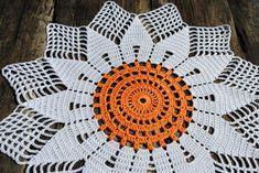 Fantastic Images Crochet Doilies sunflower Popular Crochet and arts: Crochet doily sunflowers Crochet Dollies, Crochet Coat, Thread Crochet, Crochet Motif, Crochet Flowers, Crochet Edgings, Crochet For Kids, Easy Crochet, Free Crochet