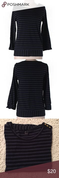 """Marc by Marc Jacobs Long Sleeve Top Striped print Marc by Marc Jacobs Top.  Size L, 32"""" chest and 22"""" long. Scooped neckline, 100% cotton.  In good conditions Marc by Marc Jacobs Tops"""